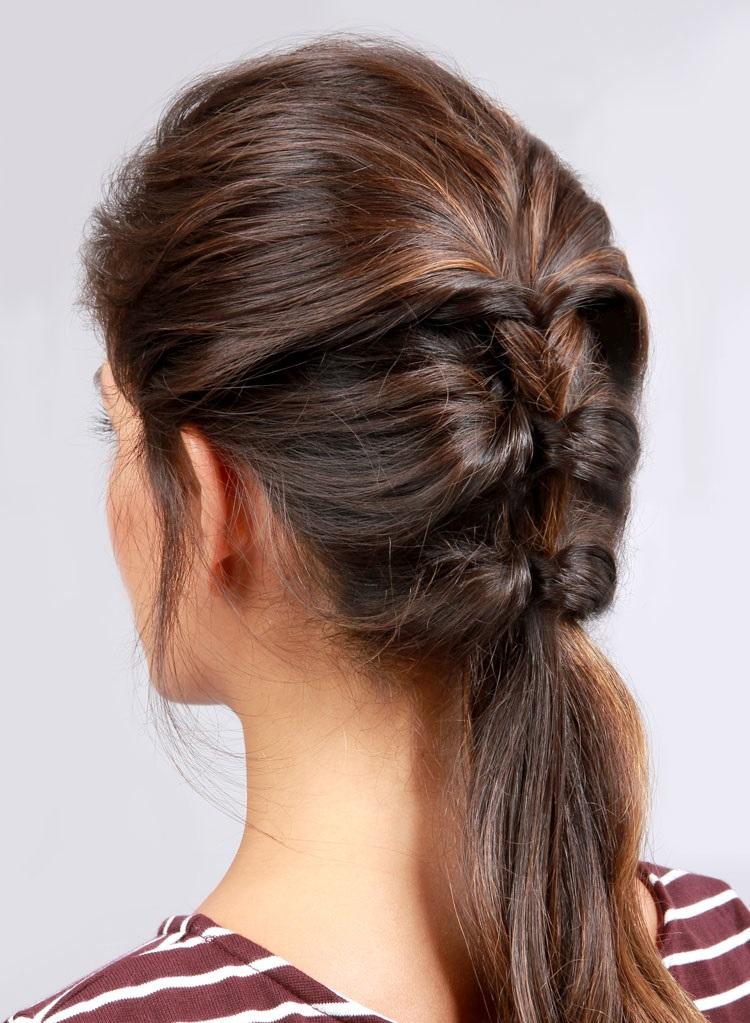 Причёска вывернутый хвост